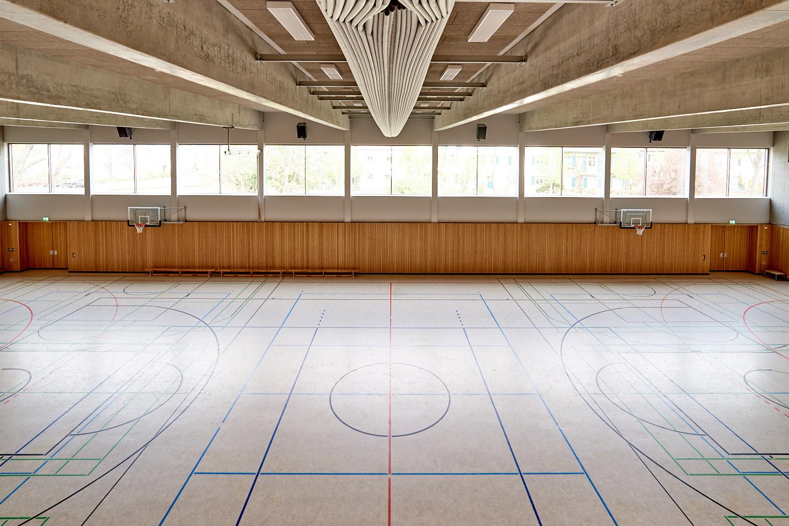 56OS_sporthalle_2_rl